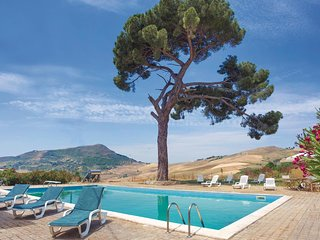 6 bedroom Villa in Sambuchi, Sicily, Italy : ref 5546594