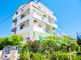 Apartments Ruza 6 - Studio, Free Wi-Fi, balcony with seaview, beach: 250 metres