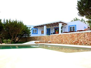 3 bedroom Villa with Pool, Air Con and WiFi - 5610646