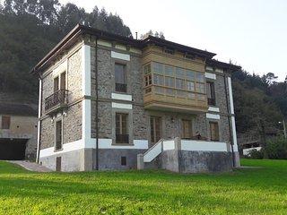 Fawn House, Casa Indiana in Bahinas, Luarca, Asturias