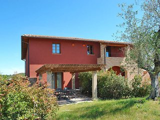 2 bedroom Apartment in Palaia, Tuscany, Italy : ref 5446775