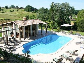4 bedroom Villa in Bordeaux, Nouvelle-Aquitaine, France : ref 5456694
