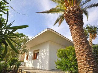 5 bedroom Villa with Walk to Beach & Shops - 5608748