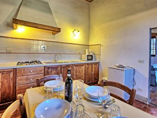 Vacciano Apartment Sleeps 4 with Pool Air Con and WiFi - 5055571
