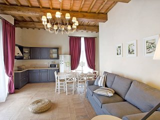 2 bedroom Apartment in Palaia, Tuscany, Italy : ref 5446779