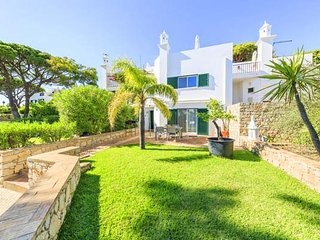 2 bedroom Villa in Vale do Lobo, Faro, Portugal : ref 5480075