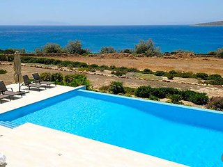 Antiparos Villa Sleeps 10 with Pool and Air Con - 5608969