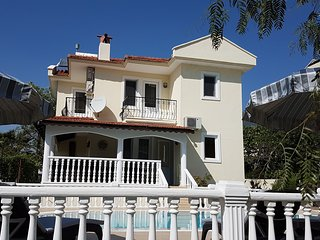 Villa Hayat-Dema, 5 bedroom villa with private pool Hisaronu Turkey