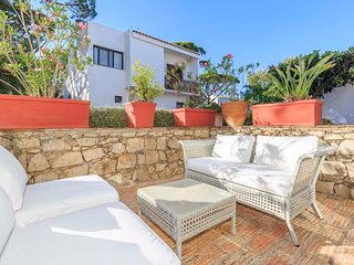 Vale do Lobo Villa Sleeps 6 with Air Con and WiFi - 5480080