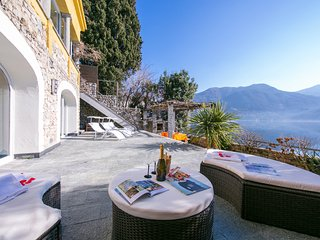 Cressogno Villa Sleeps 8 with Air Con and WiFi - 5841426