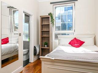 Private en-suite Room, Liverpool street, Brick Ln