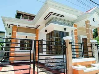 4-Bedroom House near Davao  International Airport (DanSam House)