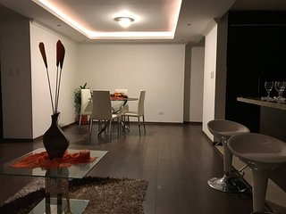 Excellent location and comfort. North of Quito. Quiet third floor apartment.