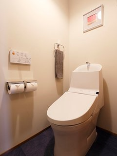 1F: Toilet