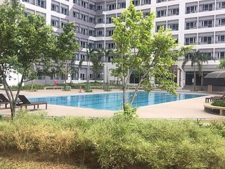 1 BR condo unit with free parking and unlimited wifi for rent