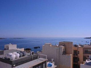 Blue Bay Apartments-Penthouse