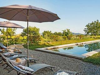 Provence Spacious Vineyard House, 3BDR, 2BA, Pool