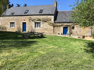 Tranquil Farmhouse to let Plounerin, Brittany