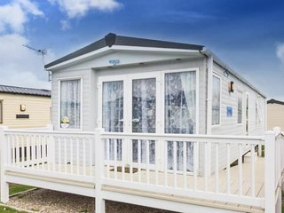 6 Berth Caravan in Seashore Haven Holiday Park.Great Yarmouth. Ref 22022 Drifter