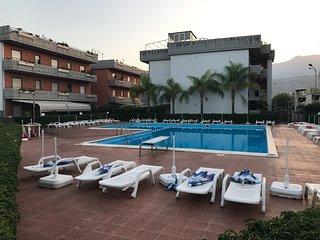 Appartement proche de la mer avec piscine