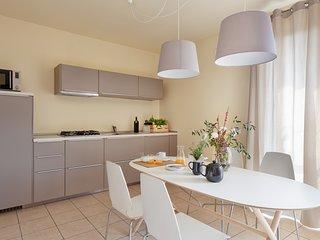 Trilocale 7  posti letto veranda, giardino, garage, wifi, Salò Lago di Garda