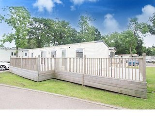 6 berth caravan at Carlton Meres Holiday Park, in Saxmundham. REF 60080M