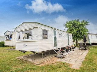6 berth caravan at Cherry Tree Holiday Park, in Great Yarmouth. REF 70725
