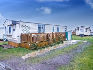 6 berth caravan at North Denes Holiday Park. In Lowestoft, Norfolk. REF 40129