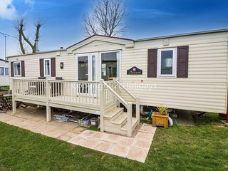 6 berth caravan at Heacham Holiday Park. Near Hunstanton, Norfolk. REF 21012R