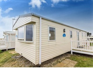 8 berth caravan in Kessingland Holiday Park. Near Lowestoft. REF 90014 Seaview.