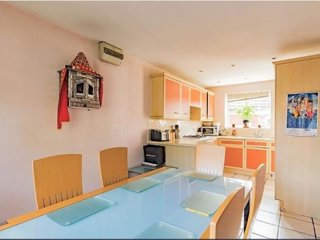 4 Bedroom Detached House : Room 3