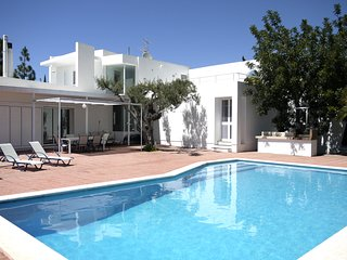 Catalunya Casas: Villa Ibic for 8 guests, only 3.5km to Ibiza beaches!