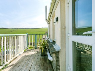 4 Bedroom apartment in Hope Cove, dog friendly, walking distance to beach & pub!