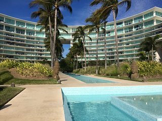 LUXURIOUS FRONT BEACH AND  OCEAN VIEW APARTMENT FOR RENT