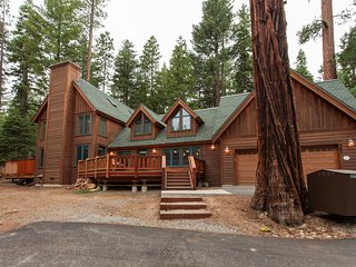 Tallac Lodge Luxury Rental - Walk to Beach, Hot Tub, Backs to Forest