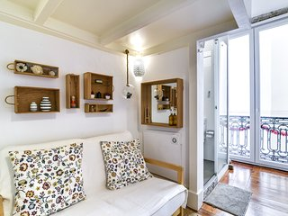 Comfortable studio in trendy Bica neighbourhood
