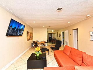 LS-0431 · Luxury 3br-2ba ·5min beach·2min to Mall·Jacuzzi