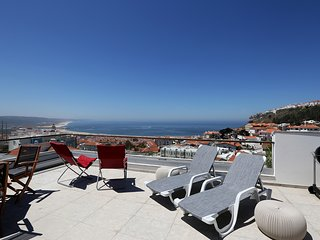 Rooftop Terrace With Pool And Amazing Ocean View, Central Nazare