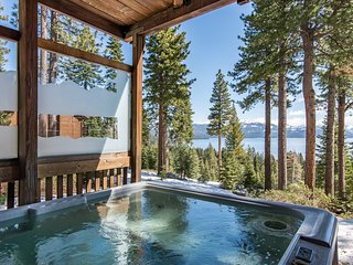 Edgewood Lake Vista Cabin with Hot Tub