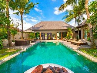 Garden & Pool View - MVO36