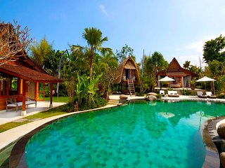 Garden & Pool View - MVO33