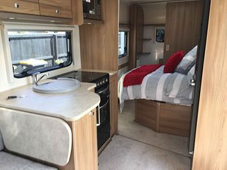 NZ4u2u Caravan Hire: EAST WEST 4