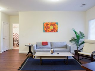 MODERN 2BR APT W/ BALCONY IN HIP NEIGHBORHOOD OF PLAZA MIDWOOD
