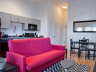 FOOD, ARTS & FUN -- 1BR APT IN POPULAR NODA NEIGHBORHOOD