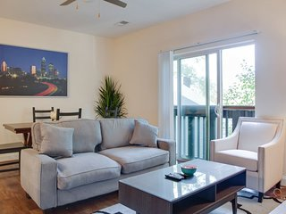TRENDY 2BR APT IN THE HEART OF PLAZA MIDWOOD