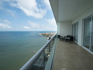 H2 Luxury Condo 3/3 - 1805 Beachfront