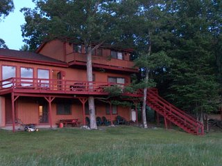 Dingmans Ferry Lake Front House(Wild Acres Lake) Monthly rental