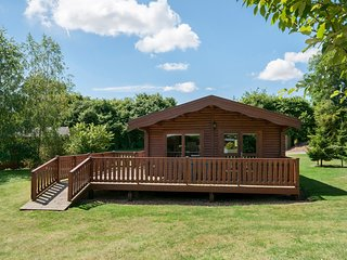 3 Bedroom, Luxury Scandinavian Lodge, set in woodland