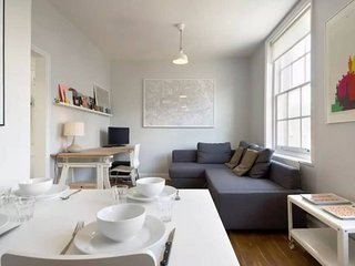 Bright and Designer Flat in Borough/Southwark
