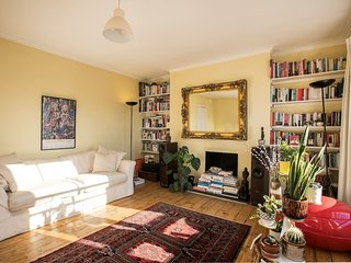 Beautiful with character 2bed flat in Camden
